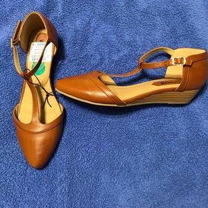 Shoes - Women's shoes